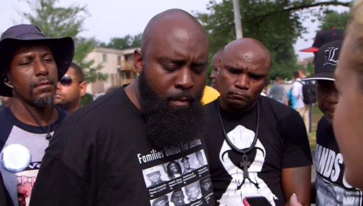 Годовщина трагедии: Фергюсон вспоминает убийство чернокожего Майкла Брауна