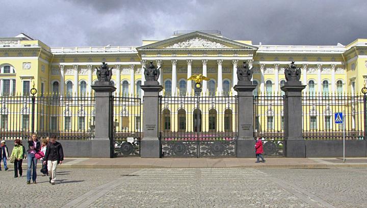 История в опасности: в Русском музее Санкт-Петербурга протекла крыша