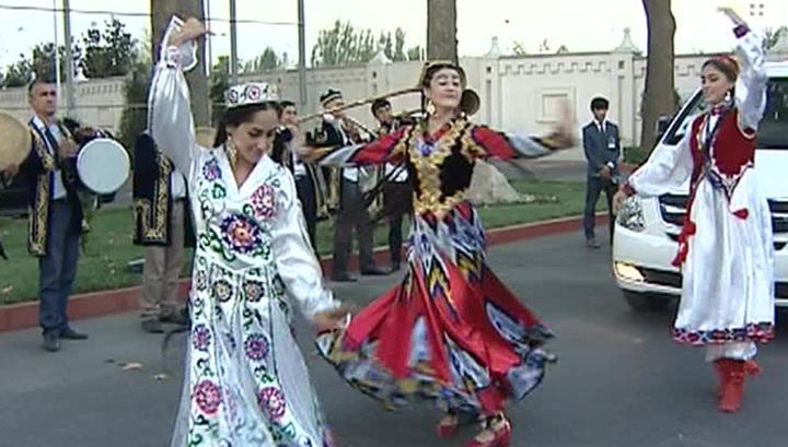 """В Душанбе открылся фестиваль """"ТЭФИ-Содружество"""""""
