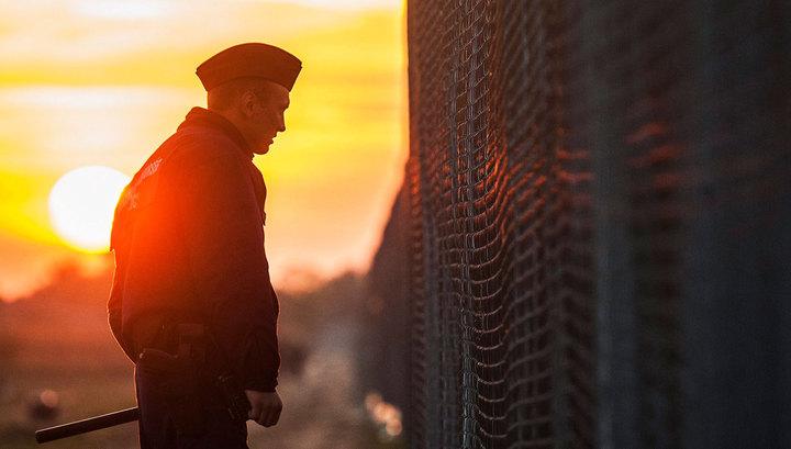 Венгрия укрепляет границу с Сербией колючей проволокой