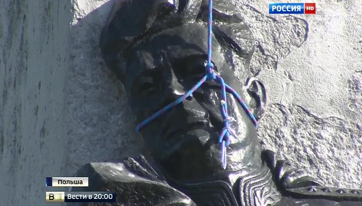 Невечная память: поляки объявили металлоломом памятник советскому генералу-освободителю