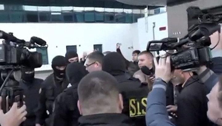 Усатого задержали по обвинению в незаконном прослушивании телефонных разговоров
