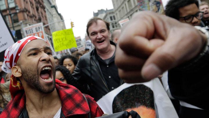 Квентин Тарантино принял участие в акции протеста в Нью-Йорке
