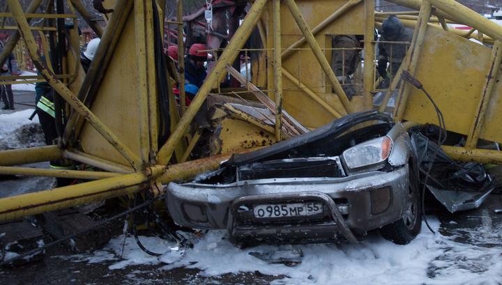 Сэкономили на упорах: следствие выдвигает версии падения башенного крана в Омске