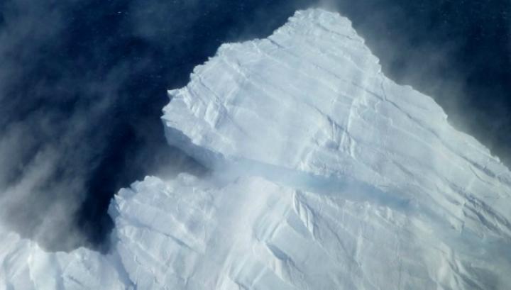 Два антарктических шельфовых ледника на грани коллапса, который, вероятно, может вызвать крах всей западной ледниковой системы Антарктики