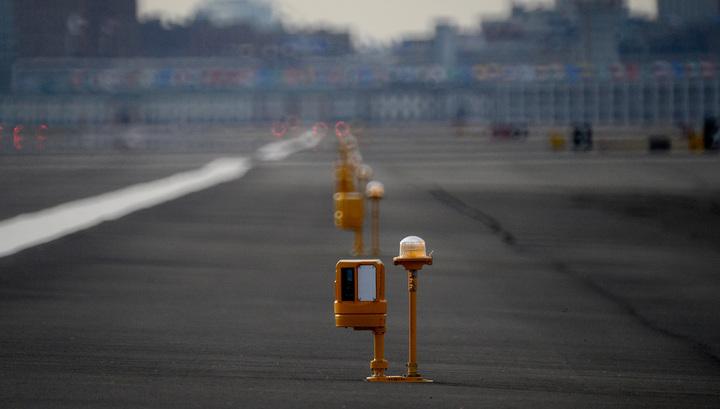 Стюардесса Emirates выпала из самолета и погибла