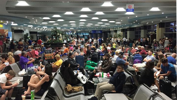 Британских туристов эвакуируют из Египта без багажа