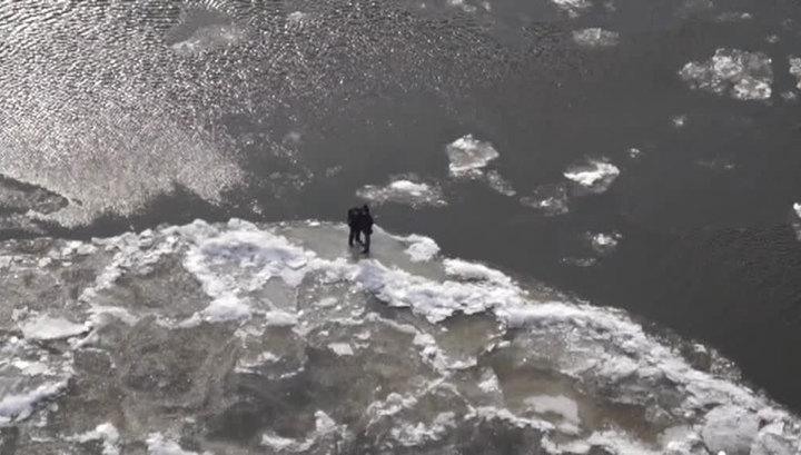 В Хабаровском крае автомобиль с тремя рыбаками провалился под лед