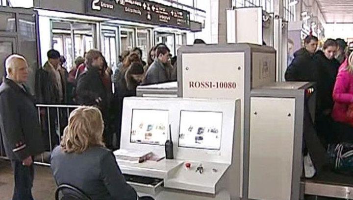 Волна звонков о «бомбах» в России: из Курского вокзала эвакуированы 700 человек