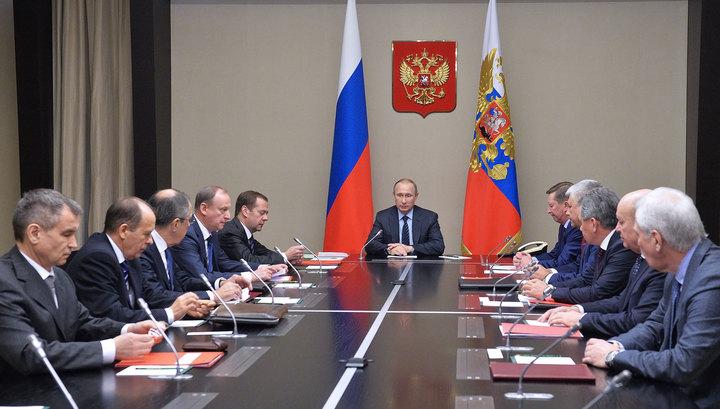 Путин обсудил с членами Совбеза РФ Сирию и Донбасс
