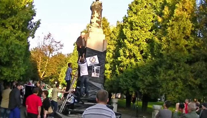 В Польше демонтировали памятник солдатам Красной Армии