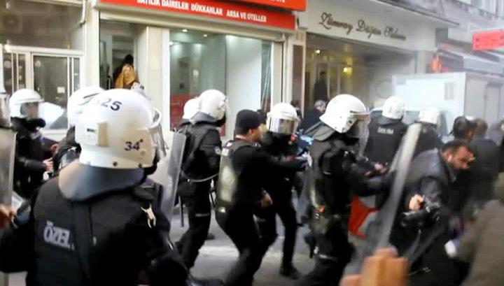Турецкая полиция жестко разогнала антивоенный митинг РПК в Стамбуле
