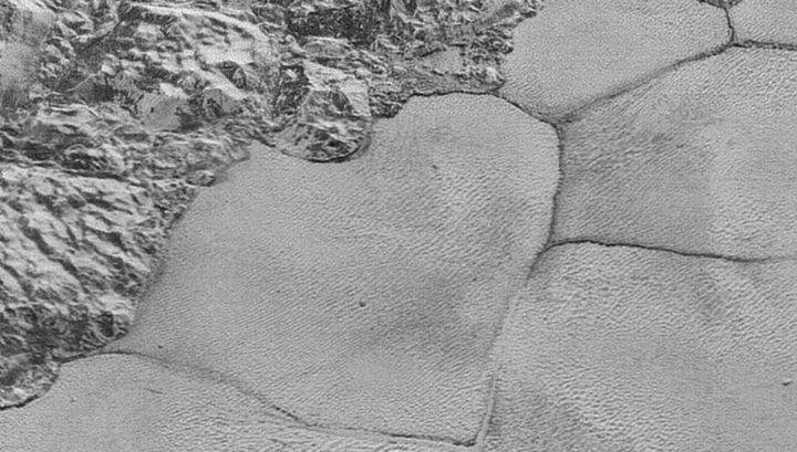 Горы аль-Идриси и равнина Спутника