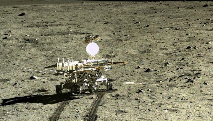 """Китайский луноход """"Юйту"""", высадившийся на Луну в конце 2013 года"""