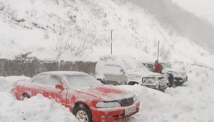 Шторм на Камчатке: отменены рейсы и перекрыты трассы, тысячи человек остались без света