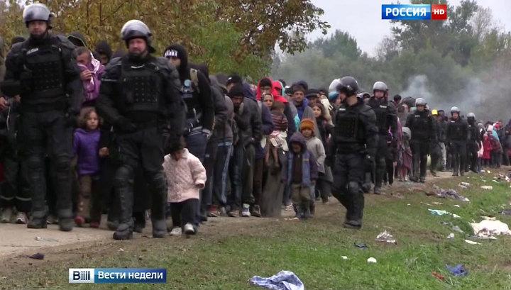 """Европа для европейцев: словом года стало """"беженцы"""""""