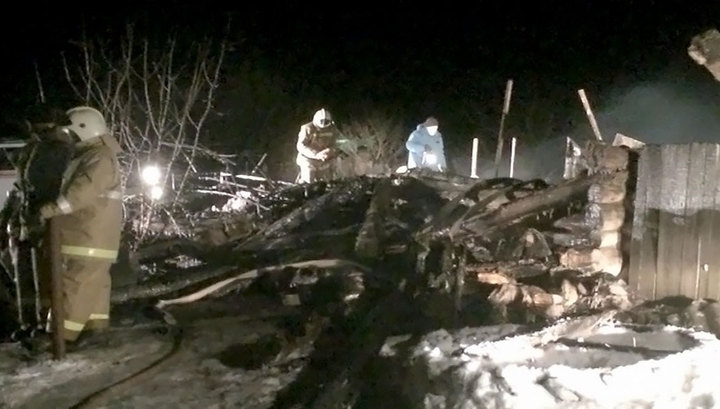 Обиженный молодой человек сжег свой дом, в котором находились его родственники