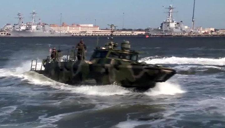 Иран задержал два катера американских ВМС