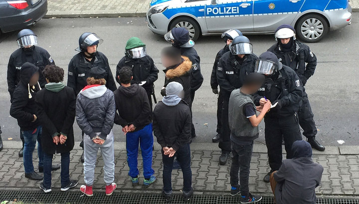 В Германии в здание центра размещения беженцев бросили гранату