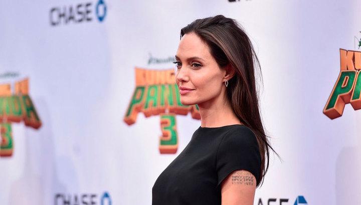 Джоли ушла от Питта к женатому арабскому миллиардеру