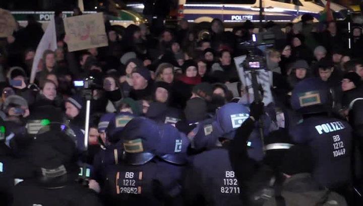 Антимигрантский митинг в Германии закончился потасовками с полицией