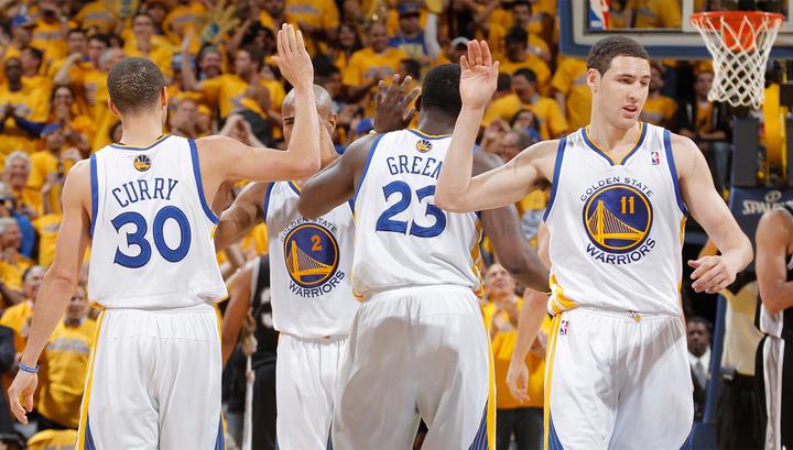 """Голден Стэйт"" разгромил ""Хьюстон"" и вышел вперед в серии плей-офф НБА"