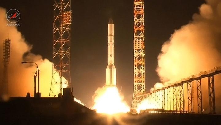 """Носитель """"Протон-М"""" вывел на орбиту 2 коммерческих спутника"""