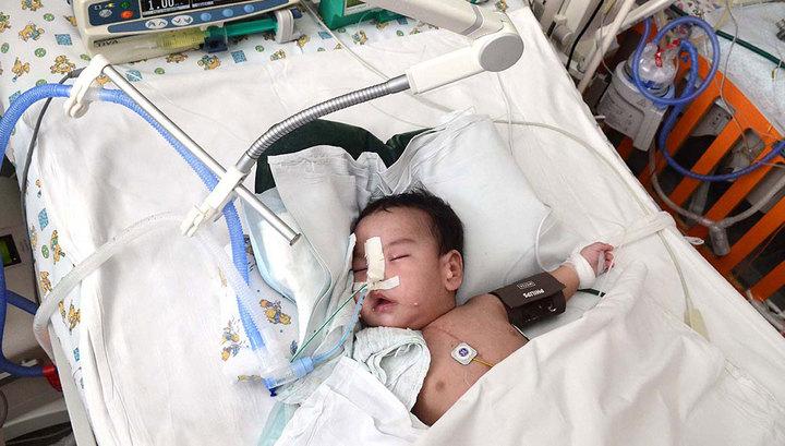 Восьмимесячного Антона Семенова спасет операция, требуются расходные материалы. 493 090 руб