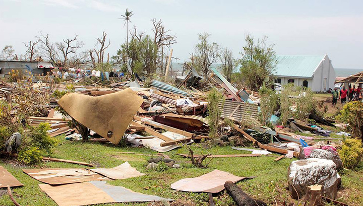 Над Фиджи прошел мощный циклон