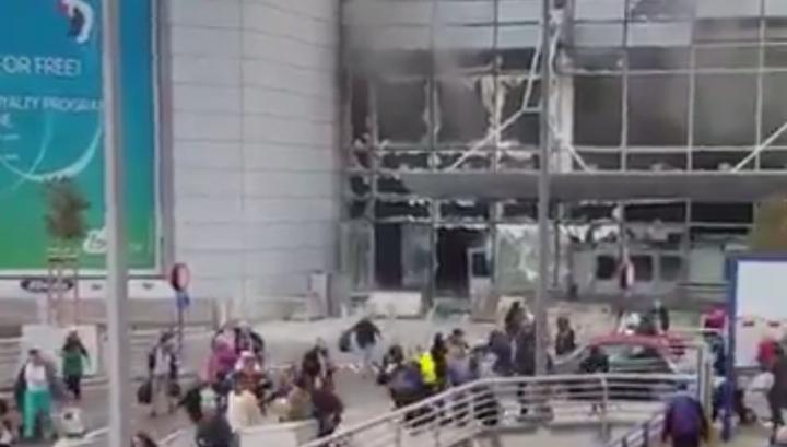 В аэропорту Брюсселя прогремели два взрыва. Есть погибшие. Видео