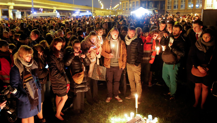 """""""Нет ненависти"""": мусульмане вышли на ночной митинг в центре Брюсселя"""