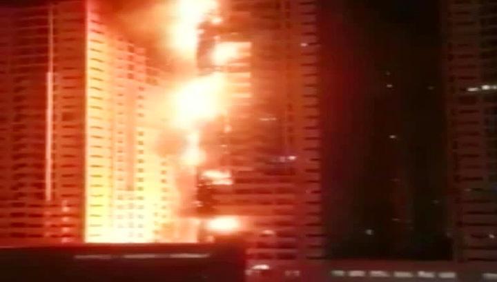 В Объединенных Арабских Эмиратах загорелся элитный жилой комплекс Ajman One