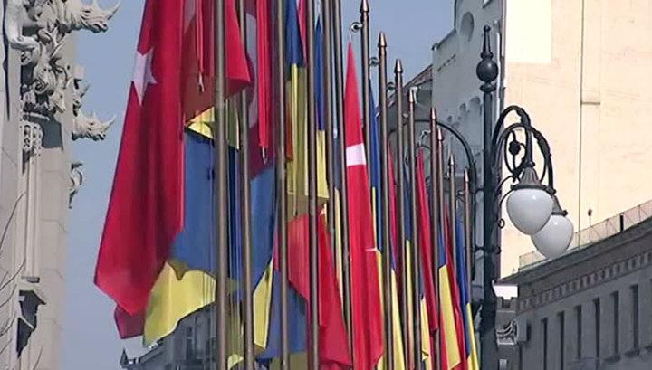 """Киберберкут"": Херсон отдадут под автономию турок-месхетинцев"