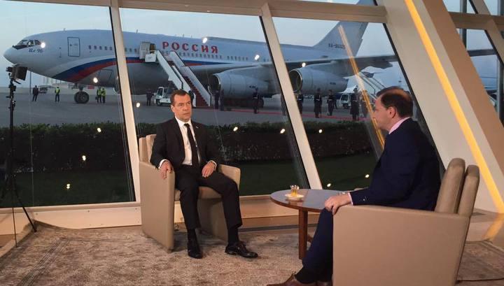 Медведев: Турция подливает масло в огонь карабахского конфликта