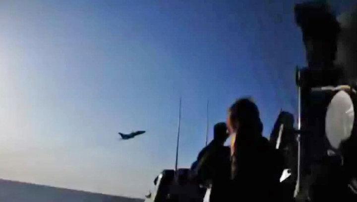 Пентагон: российский Су-24 пролетел в 10 метрах от американского эсминца