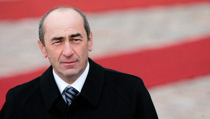 Суд решил арестовать экс-президента Армении Роберта Кочаряна