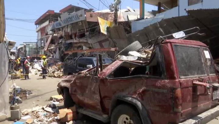 В Эквадоре спустя 13 дней после землетрясения мужчину спасли из-под завалов