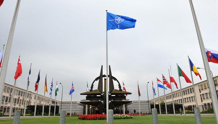 НАТО обвиняет Россию в выходе США из ДРСМД