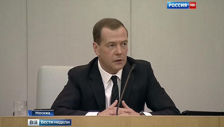 Медведев: конвертные зарплаты никому не нужны