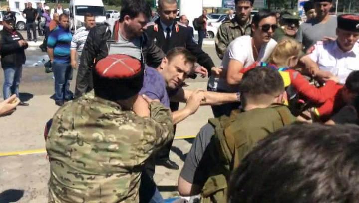 Драка в аэропорту Анапы: полиция никого не задерживала, а казаки всех разнимали