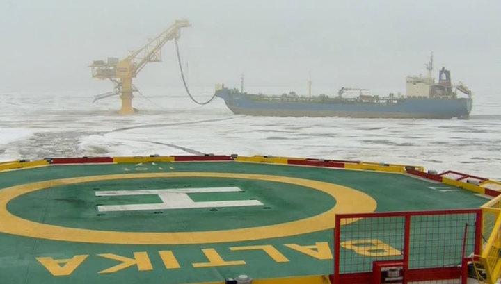 """Путин из Кремля запустил отгрузку первого танкера с нефтью через """"Ворота Арктики"""""""