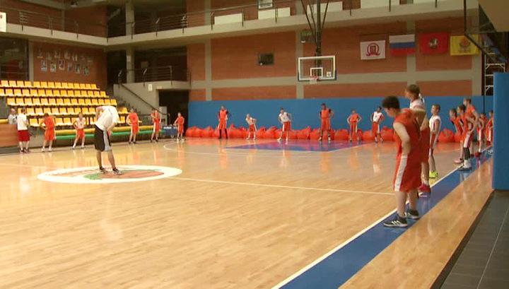 """Юношеский спорт: """"СИБУР"""" провел в Москве тренировочный лагерь для талантливых баскетболистов"""