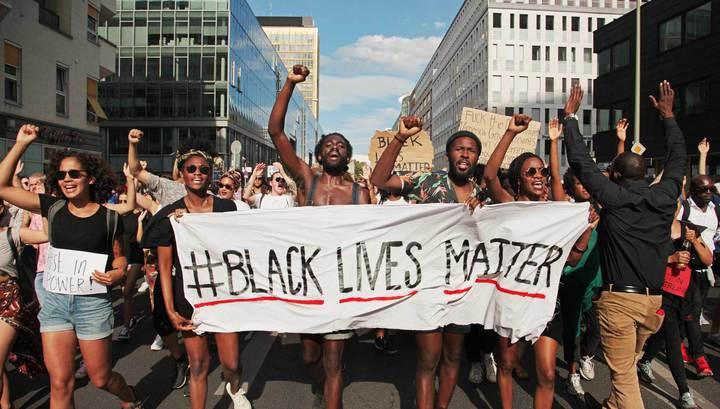 Протесты в США: демонстрация в защиту прав темнокожих закончилась беспорядками