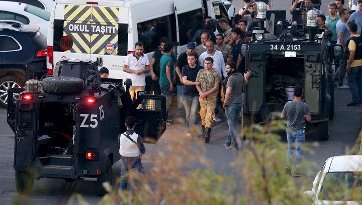 За попытку переворота в Турции пожизненно сядут 17 человек