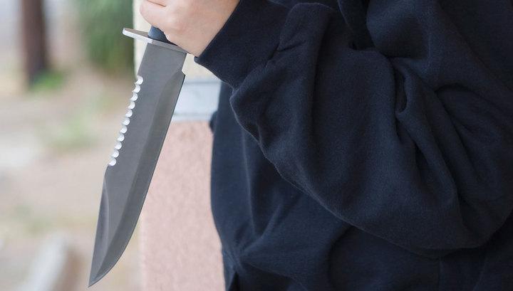 На Западном берегу Иордана неизвестный ранил ножом трех человек