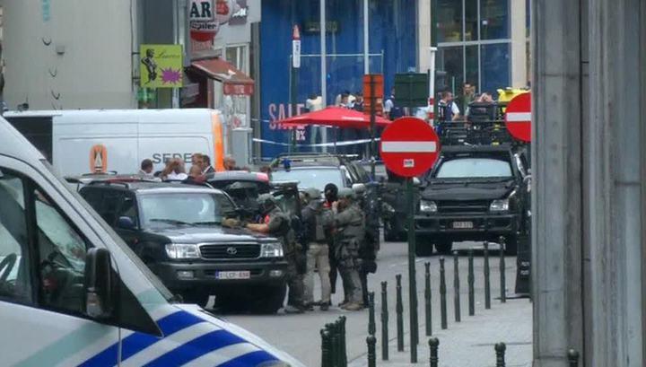 В Брюсселе женщина напала с ножом на прохожих