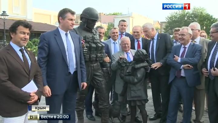 Французские парламентарии прибыли в Крым, несмотря на неодобрение властей Пятой республики