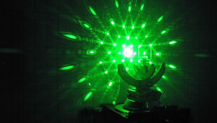 Китай запускает в серию лазерный
