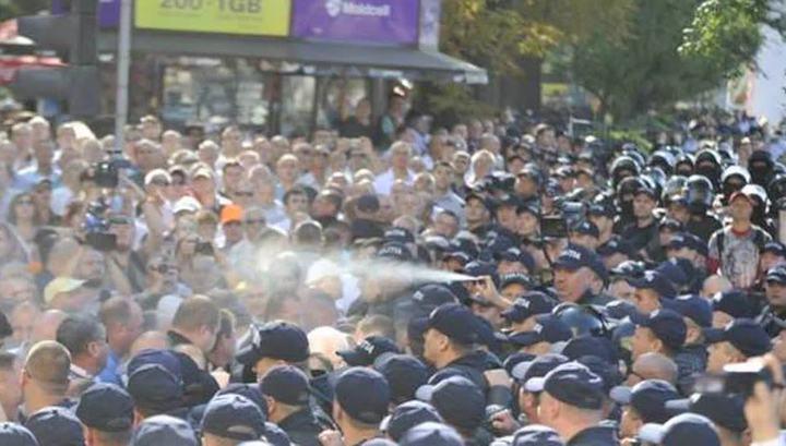 В День независимости молдавскую оппозицию отравили газом