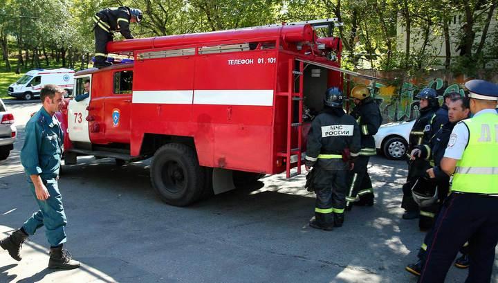 """Пожар в гостинице """"Измайлово"""": спасатели вывели четверых человек"""